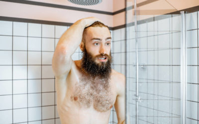 man takign a shower with cold water ELFBJLZ 400x250 - Blog